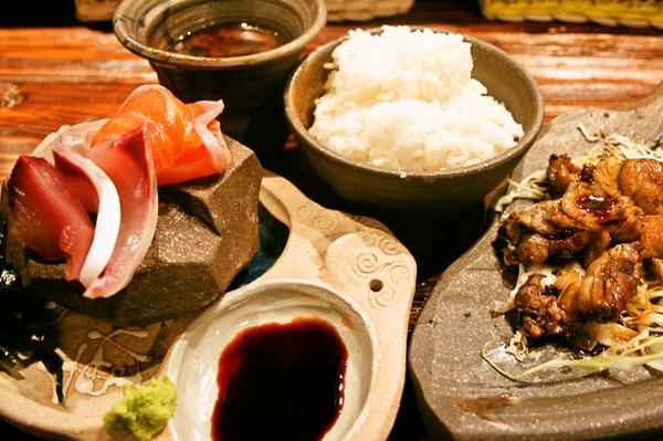 鶏魚定食.jpg